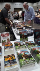 Phoenix Pick Book Display (including Soulmates, by Mike Resnick & Lezli Robyn)—Worldcon (Kansas City, Missouri)